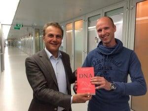Op het NFI bij presentatie Kroongetuige DNA